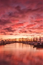 Preview iPhone wallpaper England, Derbyshire, harbour, river, boats, clouds, sunset