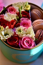 Roses and macaron, box, gift