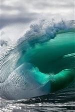 Mar, rolos de onda, bela paisagem natural