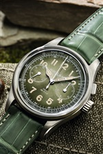 Preview iPhone wallpaper Stainless steel vintage wrist watch