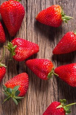 Preview iPhone wallpaper Strawberry, wood board