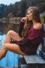 Garota de camisola, pernas, banco, lagoa
