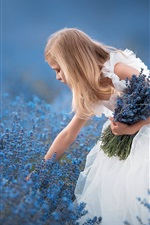 Saia branca menina, flores de lavanda azul