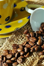 Coffee beans, yellow cups