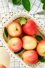 Maçãs vermelhas, frutas frescas, cesta