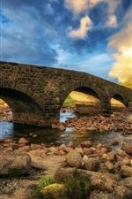 iPhone fondos de pantalla Escocia, isla de Skye, puente, piedras, nubes