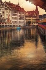 Switzerland, Lucerne, Reuss River, houses