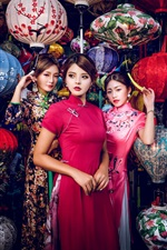 Três lindas garotas chinesas, estilo retro, lanternas coloridas