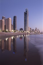 Preview iPhone wallpaper Australia, Queensland, skyscrapers, beach, sea, city, dusk