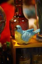 Preview iPhone wallpaper Bird statue, decoration