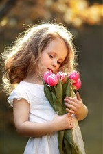Preview iPhone wallpaper Cute little girl and pink tulips