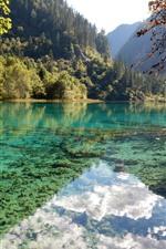 iPhone fondos de pantalla Parque Nacional Jiuzhaigou, montañas, árboles, lago, reflejo de agua