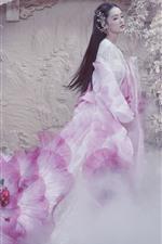 Li Qin, Fights Break Sphere