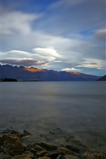 New Zealand, Lake Wakatipu, morning, rocks, mountains