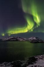 iPhone fondos de pantalla Luz del norte, noche, mar, montañas, nieve, invierno
