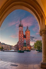 Preview iPhone wallpaper Poland, Krakow, St. Mary's Church, dusk, lights