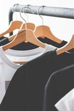 Preview iPhone wallpaper T-shirt, hanger