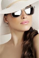 Curly hair girl, hat, sunglass