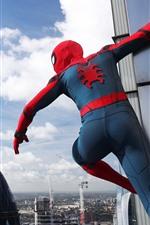 Vorschau des iPhone Hintergrundbilder Spider-Man, Maske, Stadt, hoch