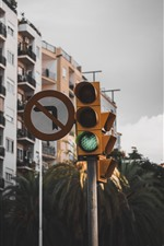 Preview iPhone wallpaper Traffic lights, city