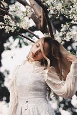 iPhone обои Белое платье девушка, цветы, весна