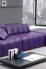 Гостиная, фиолетовый диван, окно