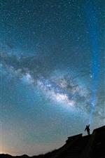 iPhone fondos de pantalla Noche, estrellada, cielo, silueta, hombre, luz.