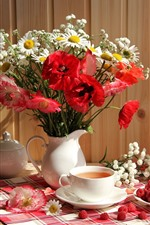 Preview iPhone wallpaper Poppies and daisy, vase, tea, raspberry, still life