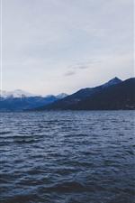 iPhone fondos de pantalla Mar, montañas, paisaje natural.