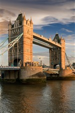 Vorschau des iPhone Hintergrundbilder Großbritannien, London, Tower Bridge, Fluss, Stadt, Wolken, Sonne