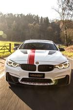 미리보기 iPhone 배경 화면 BMW M4 흰색 자동차 정면, 경주