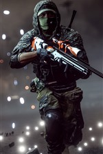 Preview iPhone wallpaper Battlefield 4, soldier, run, sniper