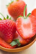 Fresa fresca, cuchara