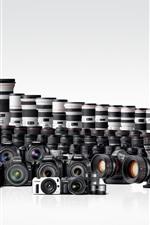 Muitas câmeras digitais e lentes da Canon