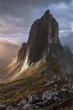 Noruega, Senja, montañas, lago, sol, niebla, mañana