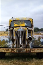 Retro car, scrap, rusty