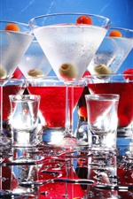 Preview iPhone wallpaper Some cups of cocktails, glare, water