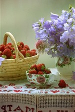 Fresa, flores, bol, cesta, mesa