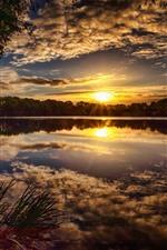 iPhone обои Закат, облака, озеро, деревья, природный пейзаж