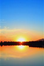 iPhone壁紙のプレビュー 夕日、太陽の光、川、青空、雲