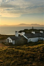 Reino Unido, país de Gales, casas, río, sol, mañana