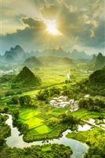Красивый сельский пейзаж, горы, деревня, река, туман, солнце, Китай