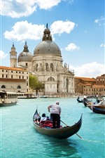 Preview iPhone wallpaper City, Venice, Italy, buildings, boats, river, sky, clouds