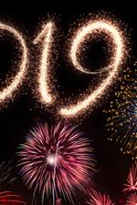 iPhone壁紙のプレビュー 明けましておめでとう2019、美しい花火、街の夜