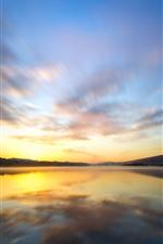 Озеро, отражение воды, небо, облака, восход солнца