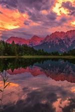 iPhone обои Горы, деревья, облака, закат, озеро, отражение воды