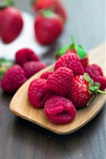 Preview iPhone wallpaper Raspberry, fresh fruit, spoon