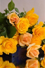 Preview iPhone wallpaper Yellow roses, bouquet, water droplets