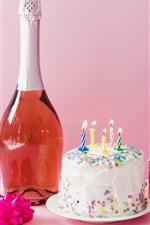 Bolo de aniversário, velas, fogo, vinho, presente