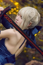 iPhone fondos de pantalla Chica cosplay, pelo blanco, espada, vista trasera.